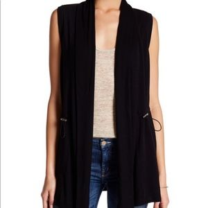 Cable & Gauge Clinched Vest in Tan